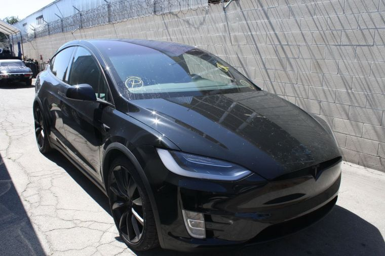 Tesla Model X Long Range Perfomance